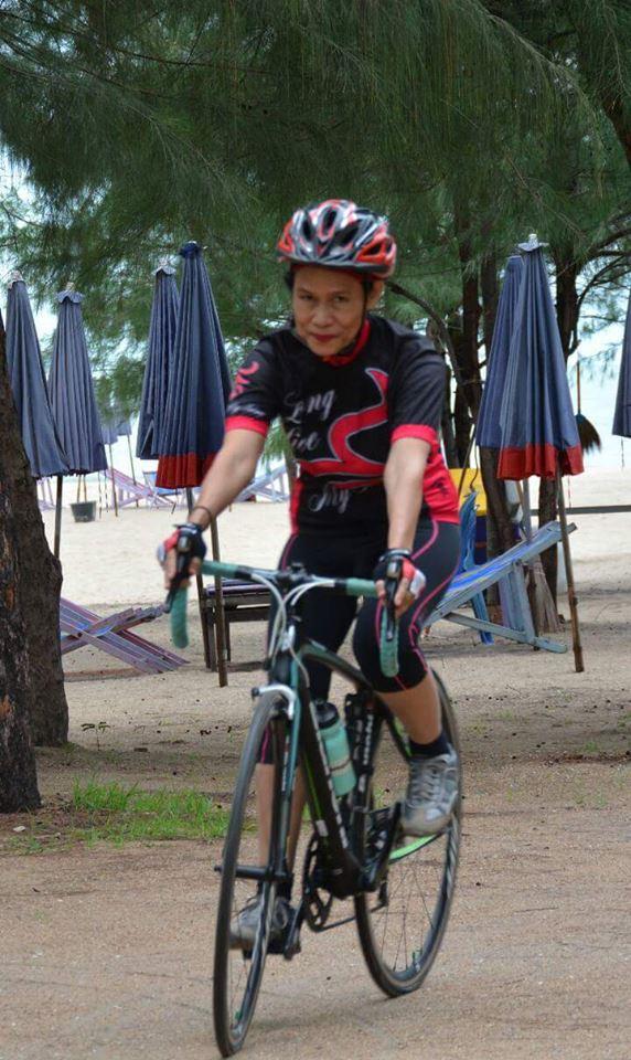 ป้าจิ จักรยาน1