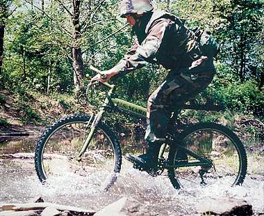 militarybike_montague_carousel